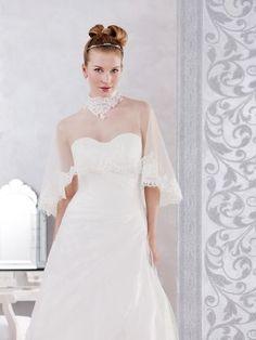 robe de marie morelle mariage lille vente en ligne poncho en tulle et dentelle ivoire - Morelle Mariage