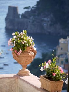 One photo a day from the heart of Italy's Amalfi Coast. Amalfi Coast Positano, Positano Italy, Beautiful World, Beautiful Places, Places Around The World, Around The Worlds, Italy Holidays, Beautiful Flowers Garden, Visit Italy