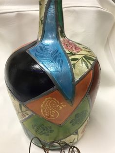 1 million+ Stunning Free Images to Use Anywhere Wine Bottle Vases, Glass Bottle Crafts, Bottle Art, Glass Bottles, Stained Glass Paint, Clay Vase, Altered Bottles, Bottle Painting, Painted Pots