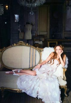 Namie dresses glamorous and pretty for spring in the February issue of Sweet + BTS Photoshoot Inspiration, Wedding Inspiration, Princess Style, Princess Fashion, Portrait Poses, Cute Woman, Girls Shopping, Japanese Girl