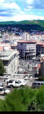 Trieste ligger inklämd mellan havet och bergen.