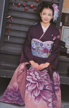kimononagoya: A completely modern rental furisode from Pure Santa. I believe this is a botan (peony), which is a late-spring seasonal fl...