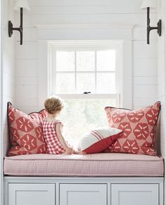 These Window Seat Ideas Will Turn a Tiny Nook Into Your Favorite Spot in the House – fantastic room avesome Room, Small Space Interior Design, Home, Window Seat Nook, Window Seat Cushions, Living Room Windows, Bay Window Seat, Interior Design Bedroom, Window Seat Design