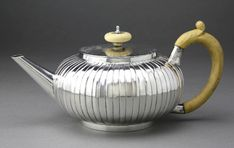 Early Georgian Silver Teapot - Richard Zouch