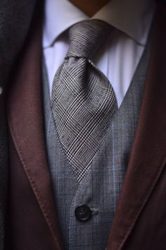 Tie and vest