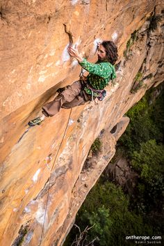 kamilsustiak:  One from the last weekend -Simon Blairon Returnity at Sail Away wall (Blue Mountains). Thanks Simon for showing me the technical way through the crux …