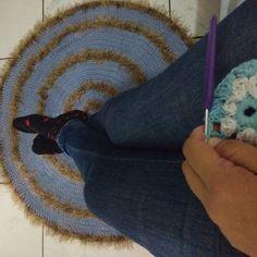 """angelapratescroche Oração das Crocheteiras """"Deus permita que eu possa ver os pontos até o dia da minha morte e quando eu cortar a linha pela última vez e guardar minhas tesouras que o trabalho feito por mim permaneça para que outras pessoas possam saber o prazer que conheci Senhor nos dons que vós me destes."""" Amém!!!! #croche #lovingcroche #crochet #oracaodacrocheteira #artesa #artesanato #feitoamao #instagood #instagram #instacrochet #boanoite #goodnight #domingao #domingo"""
