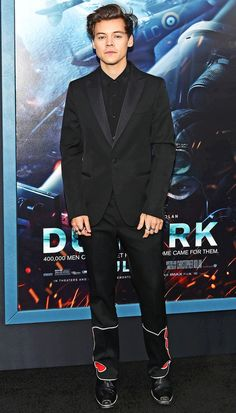 Even before he went solo, former Harry Styles has always been a style super star, favoring a loudly printed, bold colored suit above all else Harry Styles Dunkirk Premiere, Eligible Bachelor, I Dont Know You, British, Still Single, Going Solo, Looking For Love, Superstar, Sexy Men