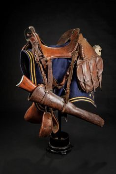 A rare and complete US cavalry McClellan saddle Western Horse Tack, Cowboy Horse, Western Cowboy, Western Saddles, Horse Saddles, Horse Halters, Horse Rugs, Barrel Racing Horses, Cowboy Gear
