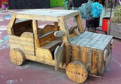 kids-play-van-made-with-pallets-2