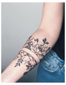 Armband Tattoos, Henna Tattoos, Henna Tattoo Designs, Body Art Tattoos, Tatoos, Armband Tattoo Design, Underboob Tattoo, Arabic Tattoos, Tattoo Drawings