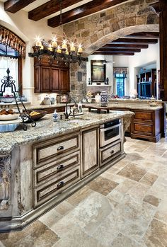Gorgeous kitchen! Jauregui Architects, Interiors & Construction: Portfolio of Luxury Custom Homes