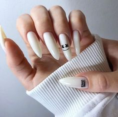 Uploaded by pineasia. Find images and videos about nails on We Heart It - the app to get lost in what you love. Edgy Nails, Grunge Nails, Stylish Nails, Trendy Nails, Swag Nails, Uk Nails, Bling Nails, Halloween Acrylic Nails, Summer Acrylic Nails