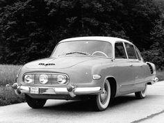 V roku 1963 prišlo do pobočky Tatry v Bratislave zadanie na vývoj nástupcu Tatry 603. V tom čase mala už osem rokov a automobilka chcela nový model s lepšími jazdnými vlastnosťami.