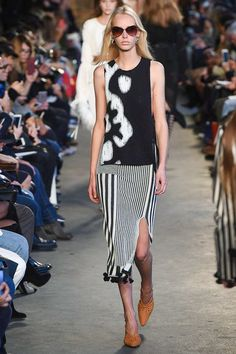 See the complete Altuzarra Spring 2018 Ready-to-Wear  collection.