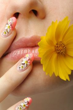 Spring flowers on the manicure is perfect with Spring just around the corner!
