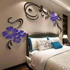 decoración en madera para pared, flores moradas