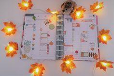 @lifestylebysaml posted to Instagram: [Planner] Voici mon planner de la semaine ! On reste dans les tons  chaleureux de l'automne 🍂   #planneraddict #plannercommunity #plannergirl #plannerjunkie  #planahappylife #autumn #fall2019 #mambi #happyplanner #happylife  #planwithme #fallplan #lifestyle #beautifull #dreambig #girlylife  #girlylifestyle #lifestylebysaml #lifestyleblogger #plannerlife  #thehappyplanner #meandmybigideas #plannerlove #layout #beforthepen  #stickers #bosslady #hap Planner Layout, Stickers, Decoration, Layouts, Table Lamp, Autumn, Lifestyle, Instagram, Home Decor