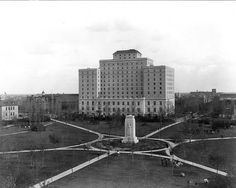 Saskatchewan - Hotel Saskatchewan, Regina. c1930. Canada Travel, Canada Trip, Canadian History, Natural Preservatives, The Province, Willis Tower, Farm Life, Old Photos, Beautiful Places