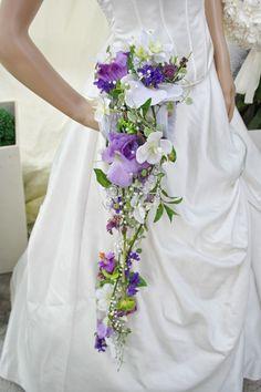 Brautstrauss extravagant handgefertigt hochwertigen Seidenorchideen lila Muff Ivy for Vines Hydrangeas Daisies Lavender Baby's breath Silver spirals/symbols