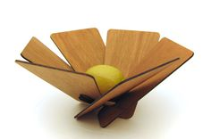 Flat Pack wooden fruit bowl by Takeshi Iue Design. Flat Pack wooden fruit bowl by Takeshi Iue Design. Laser Cutter Projects, Laser Cutter Ideas, Wooden Fruit Bowl, Fruit Holder, Cnc Wood, Plywood, Laser Art, Christmas Candle Holders, Fruit Party