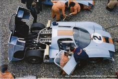 1969 Spa Francorchamps, 1000 km, paddock, J. W. Automotive with the Mirage M2 nr2 (Hobbs-Hailwood) 7th .