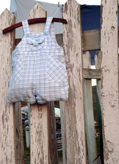 To make from Alex baby outfit: Upcycled Clothespin Bag