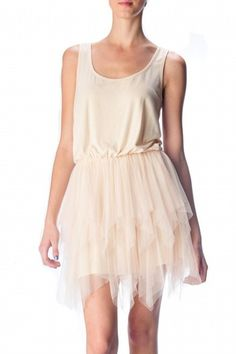 Graceful, easy breezy....would love to wear this on a hot Mediterranean night out with my hubby...a girl can dream...