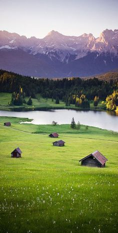 Karwendel, Bavaria. Niemcy to kraj z wieloma pieknymi miejscami. Warto wybrać się jako au pair do Niemiec.