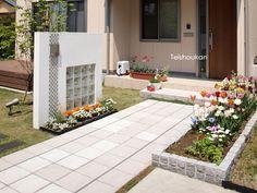 LEDが輝くアプローチ:新潟市A様邸 - 新潟市・長岡市・上越市|エクステリア工房庭匠館|外構・庭工事