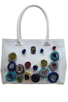 Geanta piele alba cu flori Floral, Bags, Fashion, Atelier, Handbags, Moda, Fashion Styles, Flowers, Fashion Illustrations