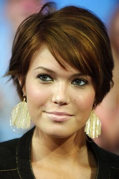 Mandy Moore with short hair.