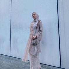 Kebaya Hijab, Kebaya Dress, Kebaya Muslim, Casual Hijab Outfit, Ootd Hijab, Model Kebaya Modern, Hijab Prom Dress, Hijab Fashion, Fashion Dresses