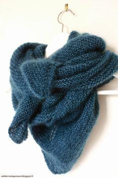Marie Poisson: Un châle doux comme un nuage. D'après le tuto d'une poule a petit pas. Free Knit Shawl Patterns, Knitting Patterns, Scarf Patterns, Knitted Shawls, Crochet Shawl, Crochet Pattern, Crochet Scarves, Free Pattern, Matilda