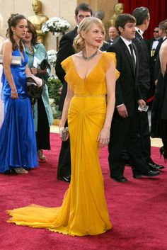 Omg love this dressss. Michelle Williams channels Old Hollywood.