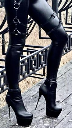 Thigh High Boots, High Heel Boots, Heeled Boots, High Platform Shoes, High Leather Boots, Hot High Heels, Sexy Boots, Mode Outfits, Casual Dresses For Women