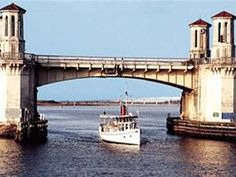 The St. Augustine Scenic Cruise by Gray Line Orlando Tours takes you on a breathtaking ride through historic sites and landmarks of the oldest city in the United States Historical Landmarks, Historical Sites, North Beach, Tour Tickets, Sunshine State, Day Trip, Old Town, Orlando, Photo Galleries