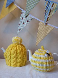This traditional sunshine yellow cable cosy is designed to fit upto and including a 4 cup pot. It is made from a wool/acrylic mix, this allows it to be Knitting Projects, Knitting Patterns, Tea Cosy Pattern, Teapot Cover, Knitted Tea Cosies, Tea Cozy, Christmas Knitting, Knitting For Beginners, Mellow Yellow