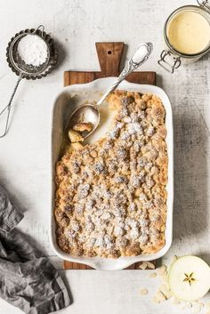 Apple Crumble with Cinnamon Crumble and Vanilla Sauce - Small Apple Crumble mit Zimtstreuseln und Vanillesauce – Kleines Kulinarium Apple crumble with cinnamon sprinkles and vanilla sauce bake Crumble - Apple Recipes, Beef Recipes, Cake Recipes, Dessert Recipes, Cooking Recipes, Healthy Recipes, Fall Desserts, Chicken Recipes, Vanilla Recipes