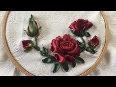 Y Ribbon Embroisery Rose / Hiowbgs dẫn thêu ruy băng hoa há Hand Embroidery Videos, Hand Embroidery Patterns, Embroidery Stitches, Embroidery Designs, Ribbon Art, Diy Ribbon, Ribbon Crafts, Ribbon Embroidery Tutorial, Silk Ribbon Embroidery