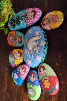 Painted Stones - Katryoshka ramblings..........: Emma Stubbs Hunk painted stones