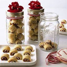 Cookie packaging - great use of mason jars...they are cheap if you buy them in bulk. Use them for entertaining and giving baked goods as gifts!