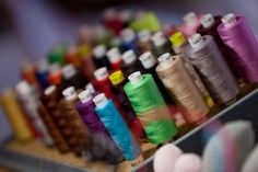 Rrose selavy » cours de couture, sculpture, dessin... Paris, Diy, Sculpture, Rose, School Holidays, Creative Workshop, Sewing Lessons, Tricot, Dibujo