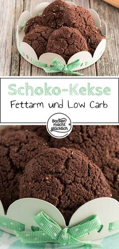 Low Carb Schokokekse ohne Zucker Great low carb chocolate biscuits without sugar: Simple recipe for low-carbohydrate and low-fat biscuits. The chocolate biscuits without sugar become wonderfully chocolaty – and even only with baking cocoa. Healthy Dessert Recipes, Health Desserts, Easy Desserts, Smoothie Recipes, Low Carb Recipes, Diabetic Snacks, Diet Recipes, Chocolate Biscuits, Chocolate Cookies