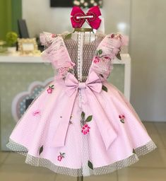 Nenhum texto alternativo automático disponível. Baby Summer Dresses, Pink Flower Girl Dresses, Girls Easter Dresses, Dresses Kids Girl, Baby Dress, Baby Girl Fashion, Kids Fashion, Toddler Outfits, Kids Outfits