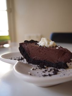 Chocolate Pie: 12 oz semi-sweet chocolate chips, 1 can coconut milk, cookie crust. Can be easily modified to be vegan. Really tasty!