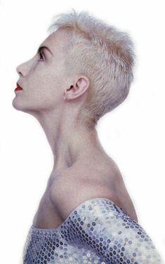 Annie Lennox - pixie short hair