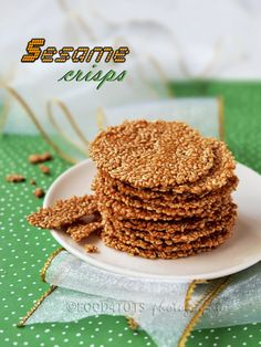 one med egg white 2 heavy tbp fine sugar flour oz (just under stick of butter) toasted white sesame seeds Cookie Recipes, Snack Recipes, Dessert Recipes, Toddler Meals, Kids Meals, Low Carb Keto, Low Carb Recipes, Lunch Box Bento, Sesame Seeds Recipes