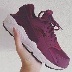 Nike huaraches- Maroon