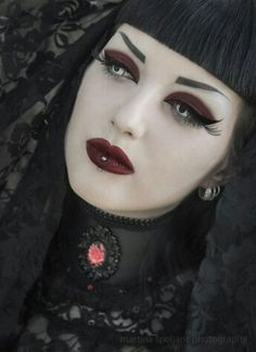 ~A Dark Beauty † A Gothic Beauty